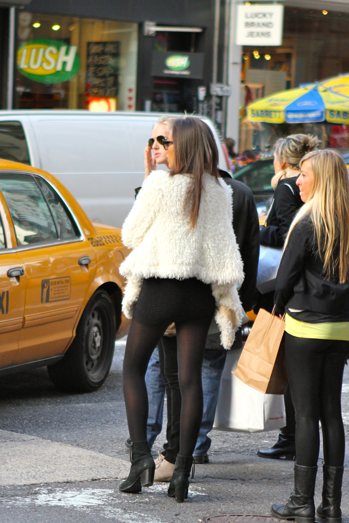 Street Style Fashion: Hello February!