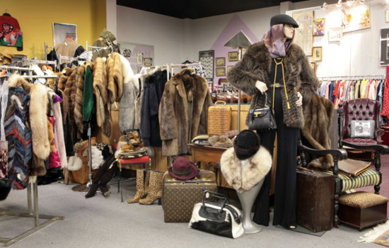 Sponsored Post: Your Guide to Finding Vintage & Pre-loved Fashion Bargains